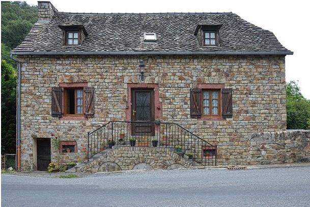 Quelles sont les rénovations à prévoir lorsque l'on achète une maison ancienne ?